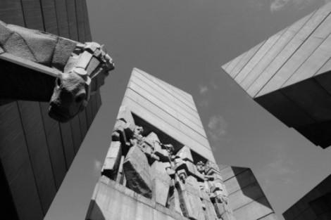 Monumento a los fundadores shumen estatales búlgaras, 1981